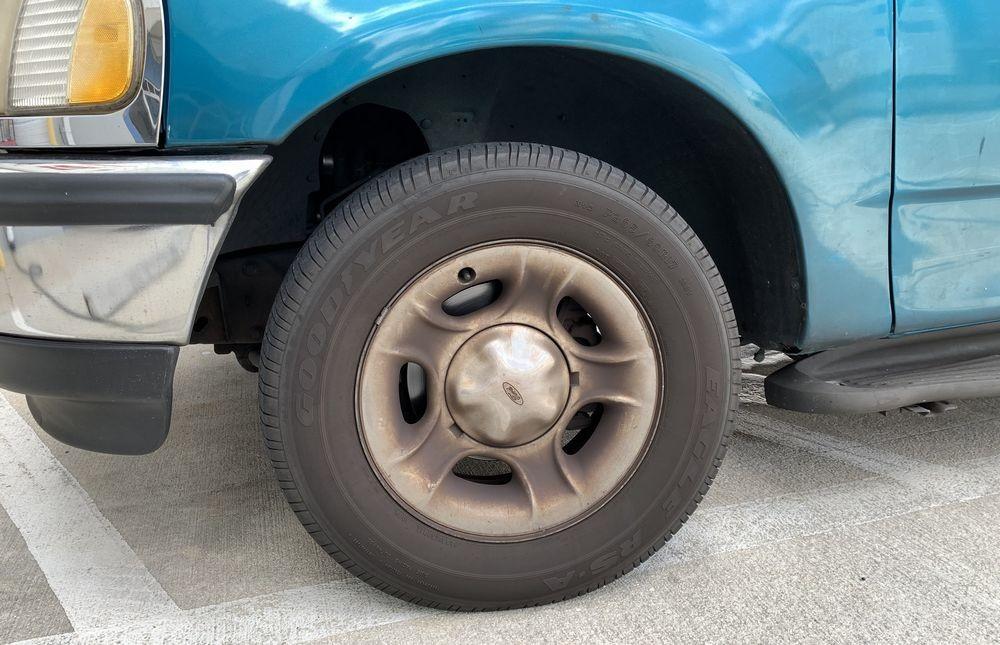 Wheel before using SONAX Wheel Cleaner Plus.