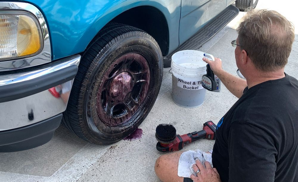 Cleaning wheels is easier while sitting!