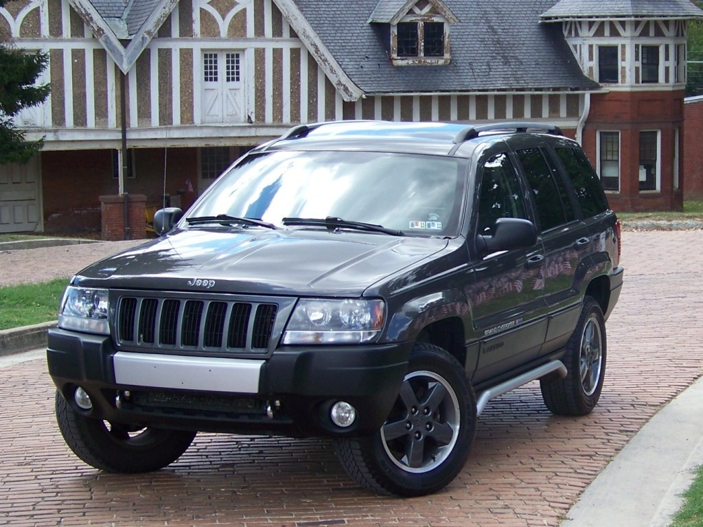2004 freedom edition grand cherokee. Black Bedroom Furniture Sets. Home Design Ideas