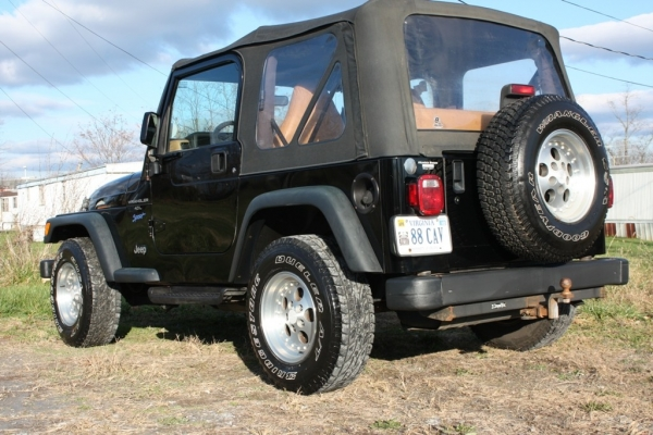 Lynchburgs Detailing Duo Tackles 98 Jeep