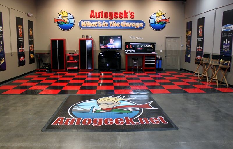 Car Detailing Garage : Race deck flooring