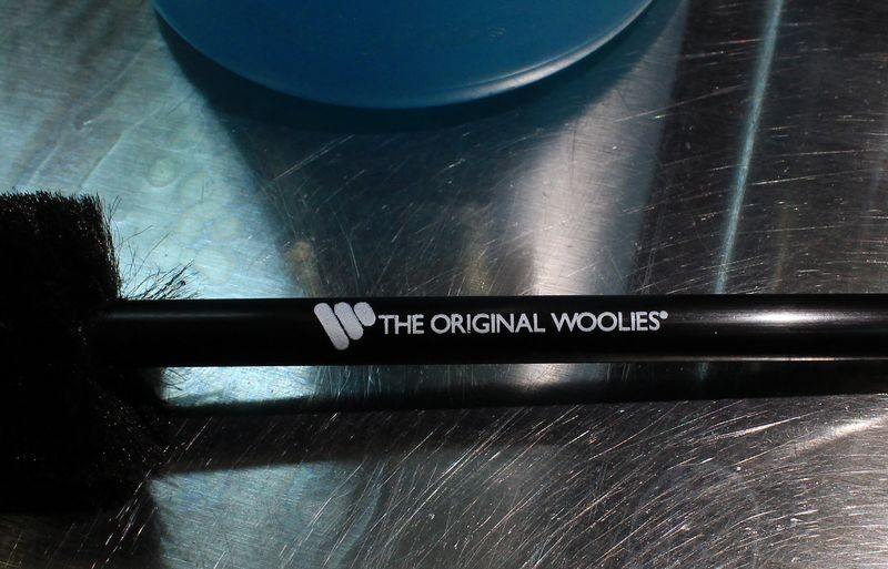 A Wheel Woolies has a long handle perfect for mixing.