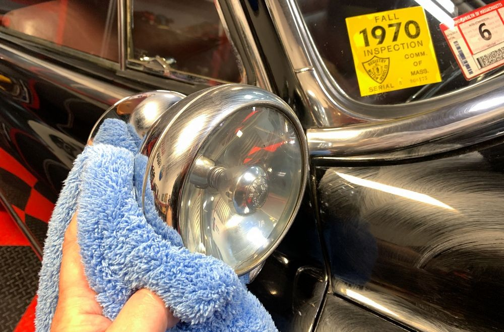 Speed Master Cloud Buffing Towel buffing away dried on wax.