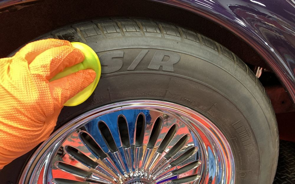 Applying GYEON Q2M Tire by hand.