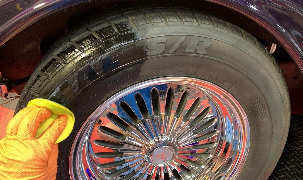 50/50 shot of GYEON Q2M Tire application.