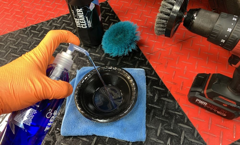 GYEON Q2M Tire in bowl before maching application.