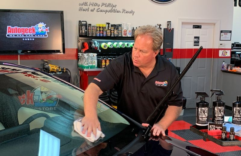Start by washing the glass surface using BLACKFIRE Glass Cleaner.